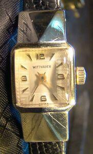 【送料無料】腕時計 レディースウィットケースkゴールドヴィンテージpretty ladies wittnauer extended case 10 k gold filled unique vintage watch wind