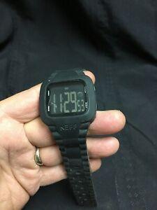 【送料無料】腕時計 デジタルスティーブネフメンズソリッドブラックウォッチ