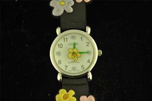 【送料無料】腕時計 レディースクォーツladies flower child quartz wristwatch keeping time