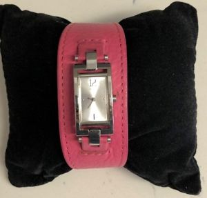 【送料無料】腕時計 ピンクレザーストラップレザーストラップguess pink leather strap watch, includes two extra leather straps