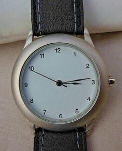 【送料無料】腕時計 パフェancienne montre mixte a mouvement quartz parfaitement bien conserve,annees 2000