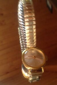 【送料無料】腕時計 ビンテージユダヤドイツzentra handaufzug 1960er vintage dau 17 jew germany