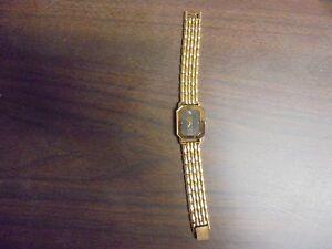 【送料無料】腕時計 womens suizo quartz 85