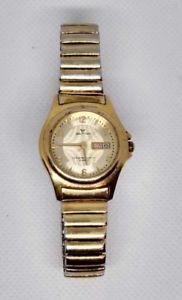 【送料無料】腕時計 ウォルサムレディースゴールドストーンカウンターwaltham ladies gold tone weo19 wristwatch with date counter