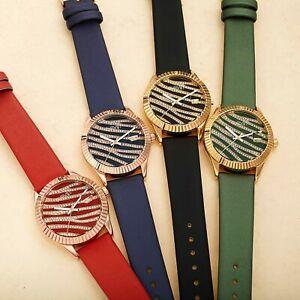 【送料無料】腕時計 シュタイナーレザーウォッチシマウマサテンクリスタルwomens august steiner as8275 zebra grooved crystal date satin on leather watch