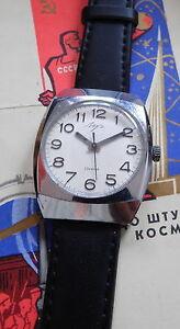 【送料無料】腕時計 ドーレluch montre mcanique mcanisme dore 2209 23 rubis urss 1970