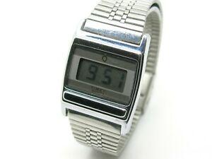 【送料無料】腕時計 レディデジタルステンレスwristwatch ladys digital timex q watch, c1980s, stainless steel, date, seconds
