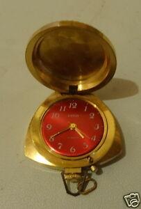 【送料無料】腕時計 プラーク montre femme pendentif zarja 21 jewels plaque or forme coeur made in urss