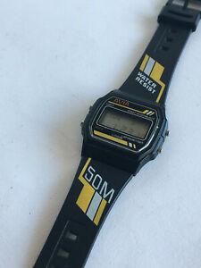 【送料無料】腕時計 ビンテージアラームファブイエローレトロlovely vintage avia lcd 50m alarmchronogragh fab yellow retrotastic fwo