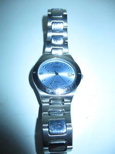 【送料無料】腕時計 ビンテージメンズステンレススチールブレスレットvintage accurist mens stainless steel bracelet watch mb285ll aq