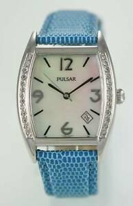【送料無料】腕時計 パルサーステンレスシルバークォーツpulsar watch women blue leather date stainless silver mop water resistant quartz