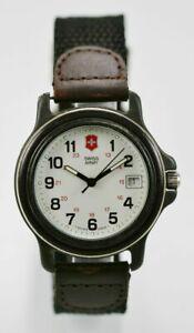 【送料無料】腕時計 スイスアーミーウォッチメンズステンレスナイロンブラウンレザーフィート