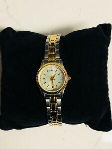 【送料無料】腕時計 ゴールドステンレススチールウォッチtimex gold amp; stainless steel watch t2m559