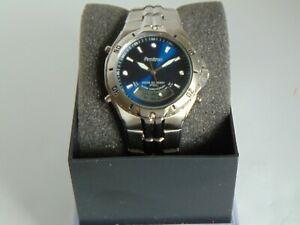【送料無料】腕時計 トロンアナログデジタルブラシステンレススチールarmitron 39mm analogdigital brushed amp; high polished stainless steel watch lk