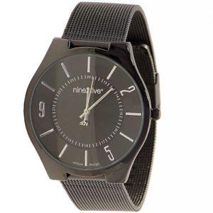 【送料無料】腕時計 ブラックラウンドアナログウォッチ