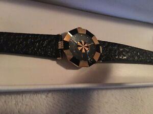 【送料無料】腕時計 ベースメタルサファイアクリスタルレザークォーツウォッチroven dino yellow base metal sapphire crystal leather quartz watch llv