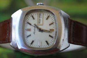 【送料無料】腕時計 #ビンテージソビエトmen039;s vintage ussr raketa watch 17 jewels with double date