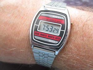【送料無料】腕時計 ビンテージウォッチvintage qamp;q watch, running,, collect or wear