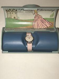 【送料無料】腕時計 スイスプリンセスシンデレラピンク#ブラッドリーウォッチケースvtg swiss 1967 princess charming cinderella pink child039;s bradley watch case