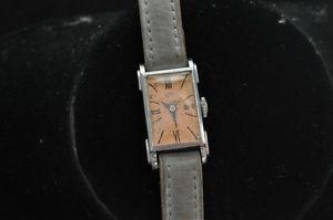 【送料無料】腕時計 ビンテージレディースvintage ladies roxy wristwatch running and keeping time