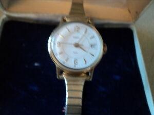 【送料無料】腕時計 レディースビンテージハンドボックスladies vintage timex hand winding watch working with a box