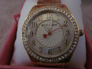 【送料無料】腕時計 ジョンソンゴールドクリスタルベゼルブレスレットウォッチボーイフレンドbetsey johnson bj00048124 glitz boyfriend gold crystal bezel bracelet watch nwb