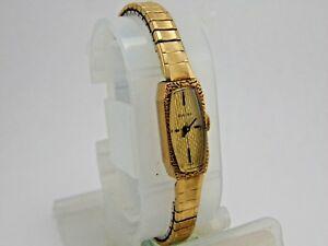 【送料無料】腕時計 レディースカクテルスイスkベゼルゴールドトーンセットアップ