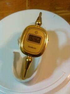 【送料無料】腕時計 ヴィンテージゴールドトーンブレスレットバッテリートロンデジタルvintage armitron rare digital gold tone bracelet watch battery works