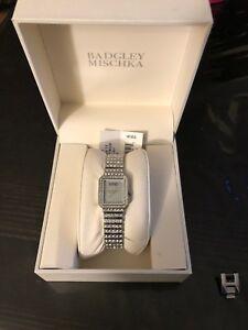 【送料無料】腕時計 シルバートーンスワロフスキークリスタルウォッチbadgley mischka ba1383svsv womens silver tone swarovski crystal watch
