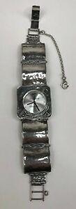 【送料無料】腕時計 バッテリスターリングシルバースクエアリンクretired silpada sterling silver 925 square link hammered watch works battery