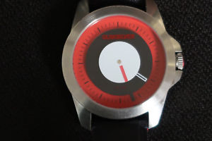 【送料無料】腕時計 レッドブラックアンプキャンバスヌバックストラップ