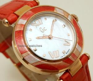 【送料無料】腕時計 パールゴールドピンクコレクションレディguess collection lady mother of pearl gold pink leather 100m y12006l1