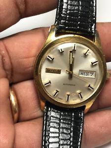 【送料無料】腕時計 メンズゴールドビンテージアナログウォッチvintage mens gold plated benrus automatic analog watch with day and date