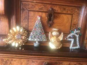 【送料無料】アクセサリー ネックレス ビンテージクリスマスロットトナカイエンジェルフラワーツリーピンクリスマスアイゼンバーグvintage christmas lot reindeer angel flower tree pins natale one eisenberg ice