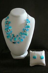 【送料無料】アクセサリー ネックレス ケーブルヌフtres beau collier fantaisie perles bleues sur cables neuf