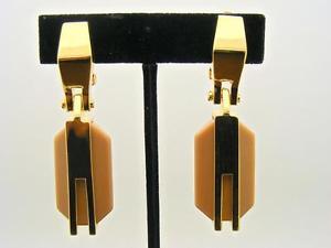 【送料無料】アクセサリー ネックレス ビンスパーツペンダントイヤリングクリップカラーゴールドvince camuto due parti pendente orecchini a clip marroncino resina amp; color oro