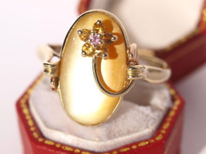 【送料無料】ネックレス イエローパールリングゴールドグラムサイズlarge 9ct yellow gold mother of pearl gem flower ring 490 grams size z