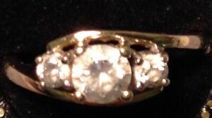 送料無料 公式サイト ネックレス vintage 9 ct gold three NEW ARRIVAL stone cubic zirconia zirconiaring 1 12 714vintage ring o size