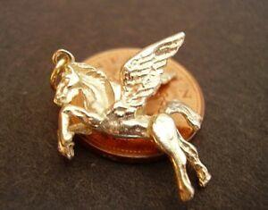 【送料無料】ネックレス ゴールドペガサスソリッドbeautiful 9ct gold pegasus  solid 3d charm charms