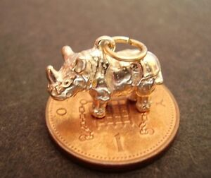 <title>送料無料 ※アウトレット品 ネックレス ゴールドリノfully hallmarked 9k 9ct gold rhino charm charms</title>