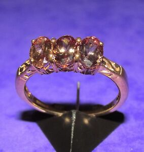 ネックレス イエローゴールドリングサイズsecondhand 9ct yellow gold 3 stone oval brown sphene ring size n