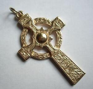 ネックレス イエローレッドローズホワイトゴールドアイリッシュケルトクロスペンダントhm 9ct 9k yellow red  rose white gold irish celtic sculptured cross pendant uk