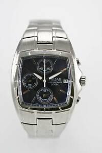 【送料無料】 腕時計 パルサーchronoステンレス100mバッテリーpulsar watch men chrono date stainless steel silver 100m battery