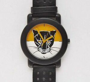 【送料無料】 腕時計 メンズクオーツkrizia mens quartz watch, ref k7709 years80 c82