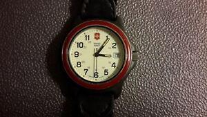 【送料無料】 腕時計 swiss army classic red ring vintage watchswiss army classic red ring vintage watch