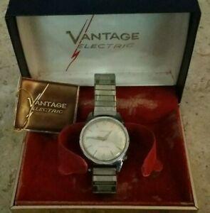 【送料無料】 腕時計 ヴィンテージnice vintage vantage electric wrist watch with original box