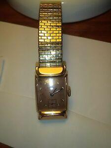 【送料無料】 腕時計 メンズbulova mens wrist watch circa 1940