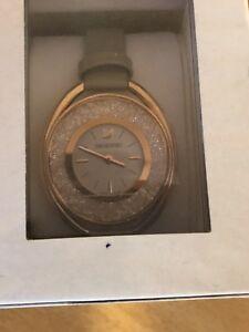 【送料無料】 腕時計 レディーススワロフスキークリスタルウォッチladies swarovski crystal watch