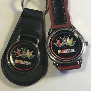 【送料無料】 腕時計 ビンテージナスカーレースカーブラックレッドキーチェーンフラグウォッチ