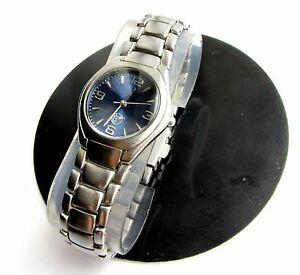 【送料無料】 腕時計 ヴォストークウォッチアナログクラシックロシアwatch vostok quartz rare dame woman analog classic russia 1990